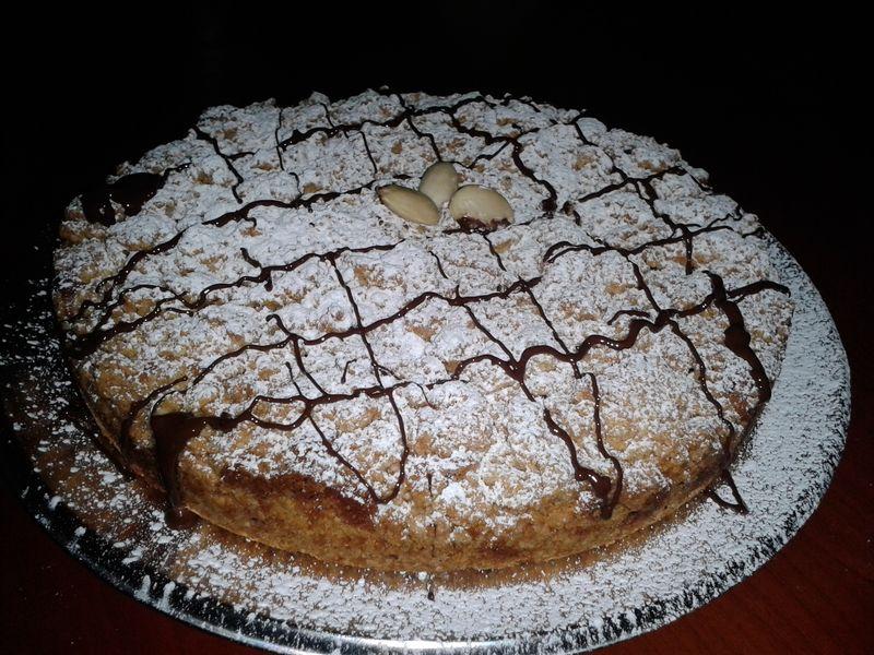 Torta croccante con crema alle mandorle e cioccolato - torta3